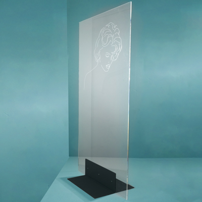 Floor plexiglass panels for beauty salons